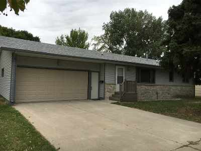 minot Single Family Home For Sale: 1727 3rd St SE