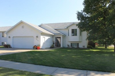 Minot ND Single Family Home For Sale: $259,900
