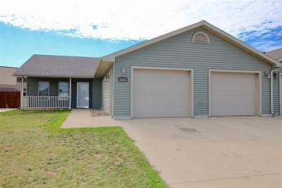 Minot ND Townhouse For Sale: $189,900