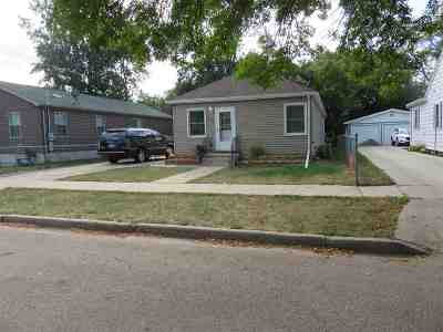 minot Single Family Home For Sale: 513 12th St NW