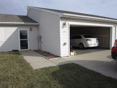 Bottineau County, Burke County, Divide County, McHenry County, McLean County, Mountrail County, Pierce County, Ramsey County, Renville County, Rolette County, Ward County, Wells County, Williams County Townhouse For Sale: 602 27th Ave NW