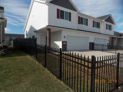 Bottineau County, Burke County, Divide County, McHenry County, McLean County, Mountrail County, Pierce County, Ramsey County, Renville County, Rolette County, Ward County, Wells County, Williams County Townhouse For Sale: 77 Mulberry Loop NE