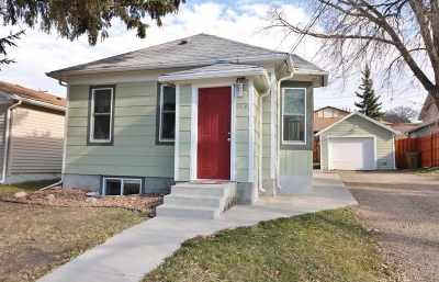 minot Single Family Home For Sale: 609 8th St. SW