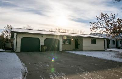minot Single Family Home For Sale: 2305 Crescent Drive