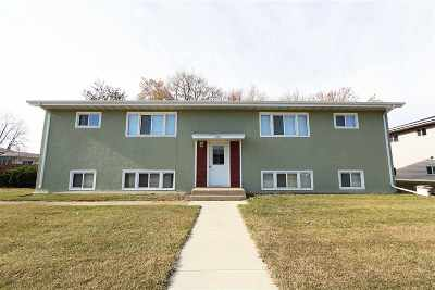 Minot Multi Family Home For Sale: 2011 4th St NW