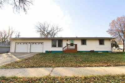 Minot Single Family Home For Sale: 2315 2nd Ave NW