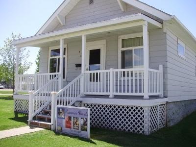 Berthold Single Family Home For Sale: 305 N Main Street