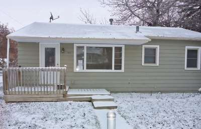 Minot Single Family Home For Sale: 301 9th St. SE