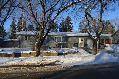 Minot Single Family Home For Sale: 813 20th St NW