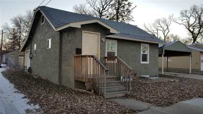 Minot Single Family Home For Sale: 210 NW 10th Street
