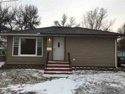 Minot ND Single Family Home For Sale: $165,000
