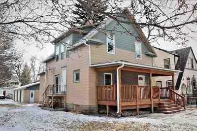 Minot Single Family Home For Sale: 201 8th Street SE