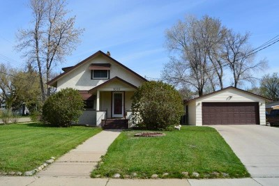 Minot ND Single Family Home For Sale: $172,000