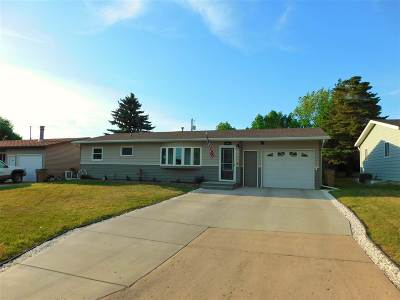 minot Single Family Home For Sale: 916 NW 24th Ave NW