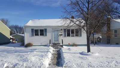 Minot Single Family Home Contingent - Hi: 608 NW 20th St.