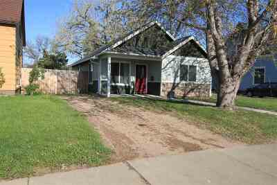 minot Single Family Home For Sale: 300 18th St NW