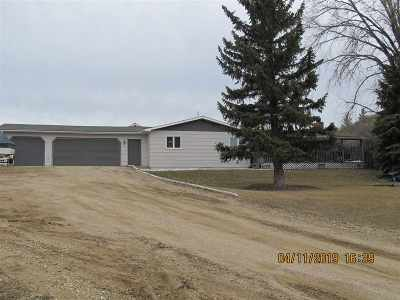 Minot Single Family Home For Sale: 4821 SE 42nd St.