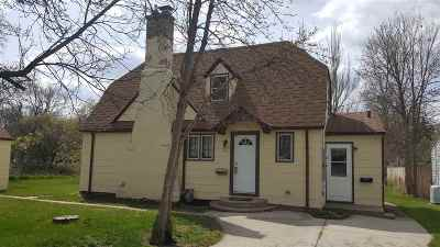 Minot ND Single Family Home For Sale: $167,000