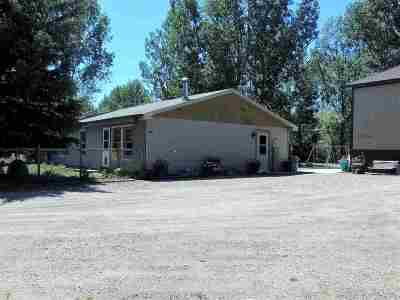 Minot Single Family Home Contingent - Hi: 1414 SE 78th St SE