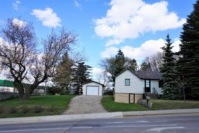 Minot Single Family Home For Sale: 409 6th St SW