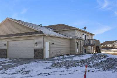 Bottineau County, Burke County, Divide County, McHenry County, McLean County, Mountrail County, Pierce County, Ramsey County, Renville County, Rolette County, Ward County, Wells County, Williams County Townhouse For Sale: 103 Mulberry Loop NE