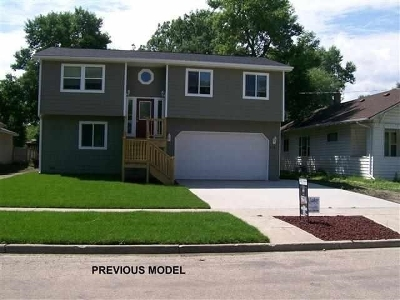 Minot Single Family Home For Sale: 3401 Harvest Hills Ave NW