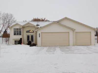 Minot Single Family Home For Sale: 2420 SW 4th Ave