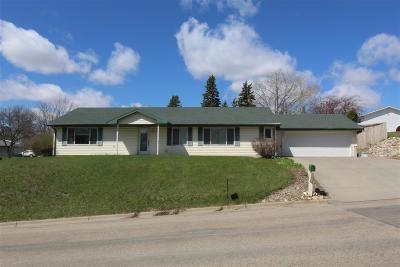 Minot Single Family Home For Sale: 1301 NW 13th St