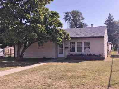 Minot Single Family Home For Sale: 613 13th St SE