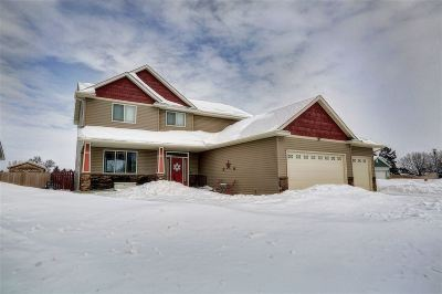 Minot Single Family Home For Sale: 2600 Heritage Drive