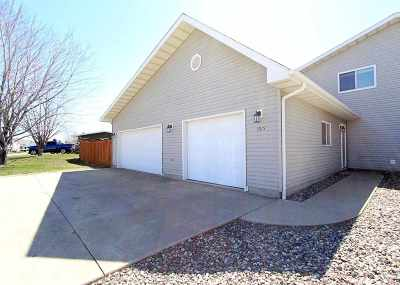 Bottineau County, Burke County, Divide County, McHenry County, McLean County, Mountrail County, Pierce County, Ramsey County, Renville County, Rolette County, Ward County, Wells County, Williams County Townhouse For Sale: 1515 20th Ave NW
