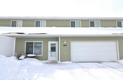 Minot ND Condo For Sale: $169,000