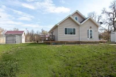Single Family Home For Sale: 1719 E Burdick Expressway