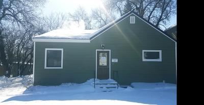 Minot ND Single Family Home Contingent - Hi: $142,000