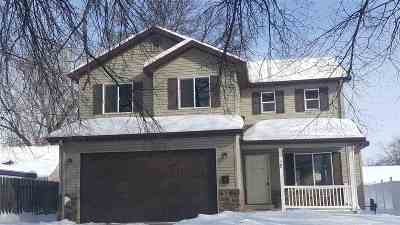 Minot ND Single Family Home For Sale: $198,500
