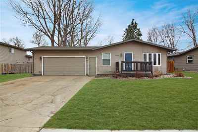 Minot Single Family Home For Sale: 2209 5th Ave. SW