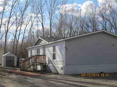 Bottineau County, Burke County, Divide County, McHenry County, McLean County, Mountrail County, Pierce County, Ramsey County, Renville County, Rolette County, Ward County, Wells County, Williams County Mobile Home For Sale: 1325 SE 27th St. #900