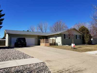 Single Family Home For Sale: 1724 SE 6th St