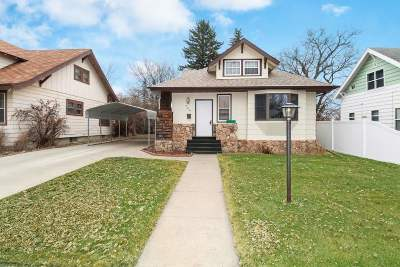 Minot Single Family Home For Sale: 708 NE 6th St.