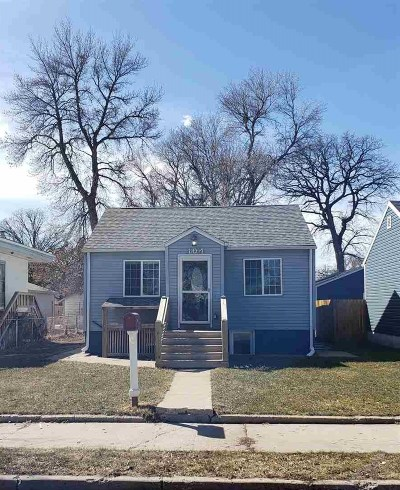 minot Single Family Home For Sale: 104 SE 18th St