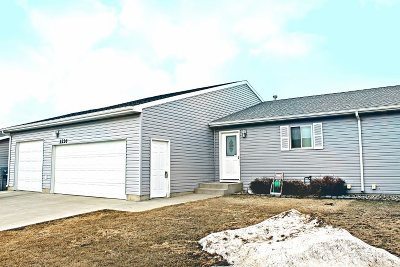 Minot Townhouse For Sale: 2226 NW 14th St