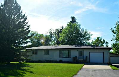 Minot Single Family Home For Sale: 5120 SE 14th St.