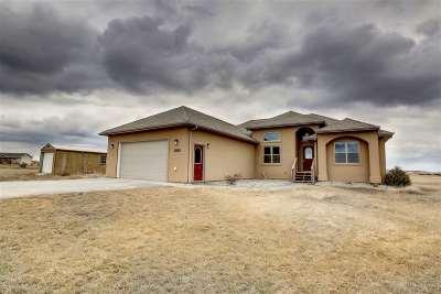 minot Single Family Home Contingent - Hi: 3010 NE 13th Street