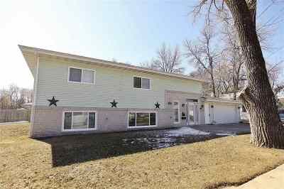Minot Single Family Home For Sale: 1203 5th Ave NW