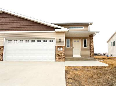 Minot Townhouse For Sale: 72 Mulberry Loop