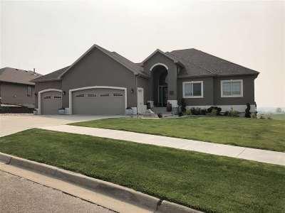 minot Single Family Home For Sale: 1704 Dakota Drive SW