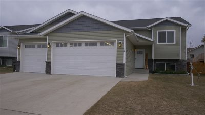 Surrey Single Family Home For Sale: 18 Berkeley St.
