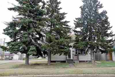 Minot Single Family Home For Sale: 1301 5th St. SW