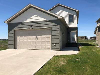 Bottineau County, Burke County, Divide County, McHenry County, McLean County, Mountrail County, Pierce County, Ramsey County, Renville County, Rolette County, Ward County, Wells County, Williams County Single Family Home For Sale: 2825 Jeffrey Dr.