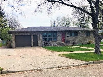 Minot ND Single Family Home For Sale: $229,900